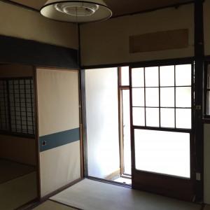 6畳間と玄関